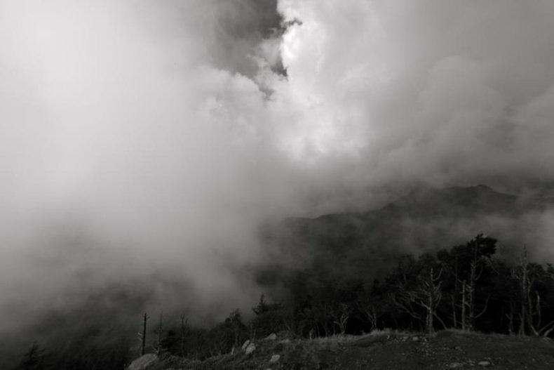 In an empty cavern - Ray Tanaka - Phases Magazine