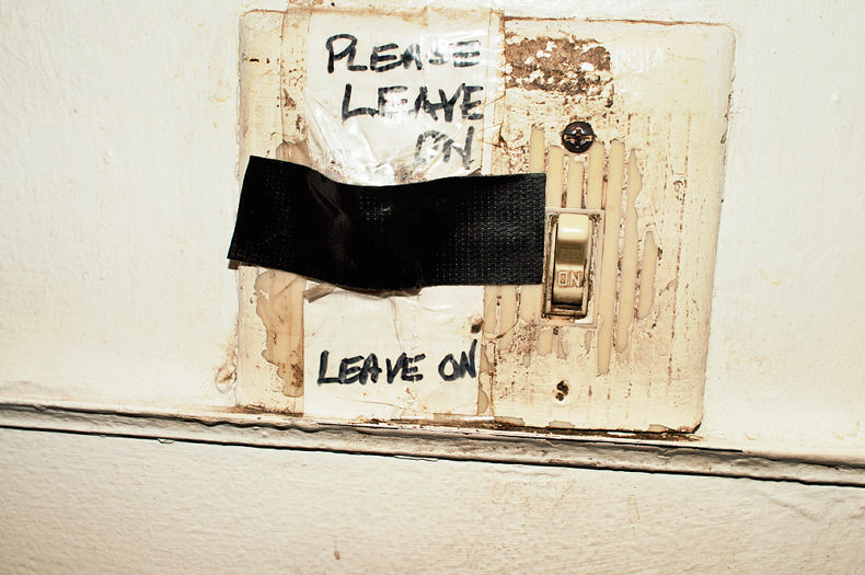 Leave On - Joris Vandecatseye - Phases Magazine
