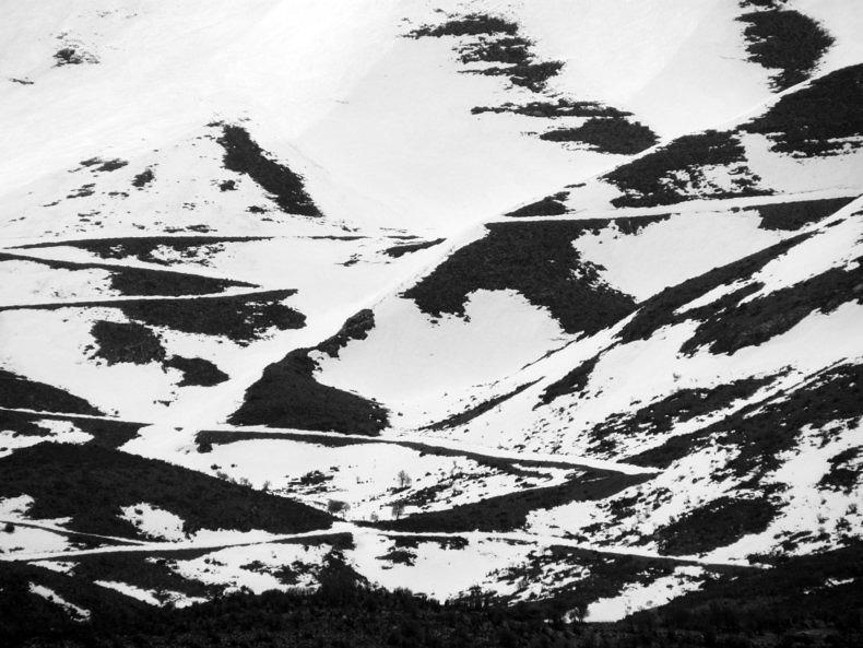 Le Mont Blanc series - Tula Plumi - Phases Magazine