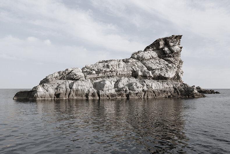 Island Hoping - Christina Dimitriadis - Phases Magazine